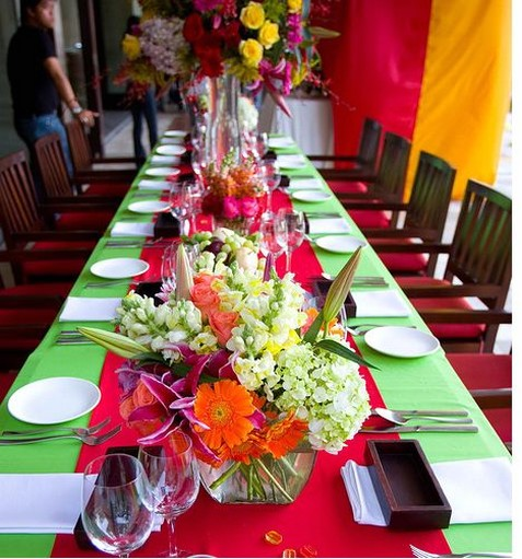 Fashion wedding table decor picture with full of colors.jpg