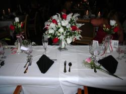 picture of Center piece on the wedding party table.jpg
