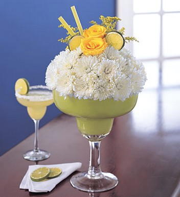 Margarita Bouquet with white daisy flowers and yellow roses.jpg