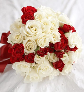 Cream and red Rose & Spray Rose Attendant Bouquet for brides.jpg