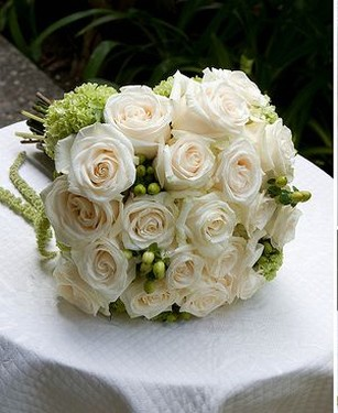 Cream Roses And Green Flowers Bridal Bouquet Picture Jpg
