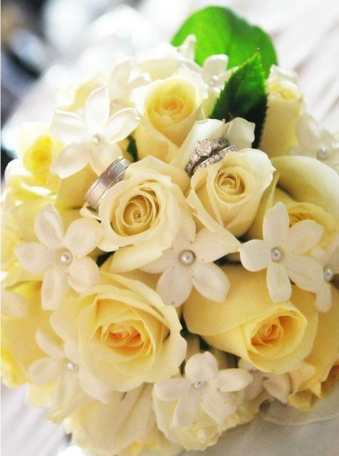summer yellow roses bouquet bridal.jpg