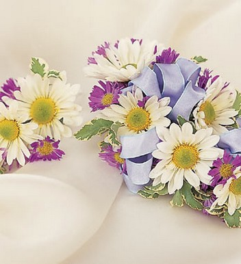 Daisy Corsage & Boutonniere with colorful flowers for weddings.jpg