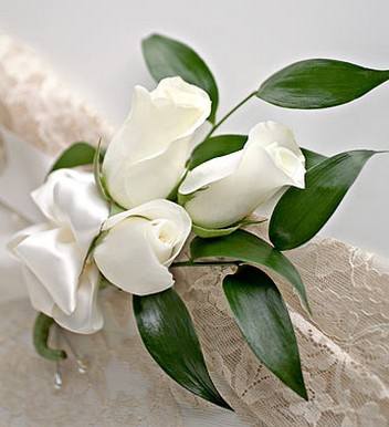 Photo of White Rose Corsage.jpg