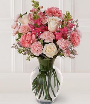 Beautiful Centerpiece For Weddings With Cream And Pink Flowers Jpg