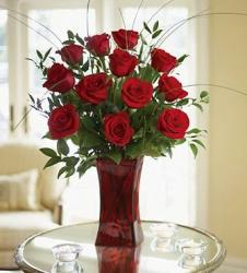 Red roses arrangement with red glass vase.JPG